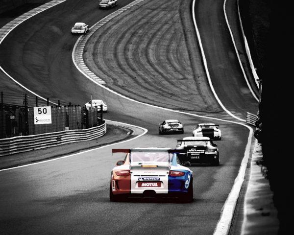 Porsche GT3 in the Raidillon